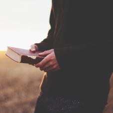 Книги, которые научат зарабатывать деньги и наставят на путь истинный