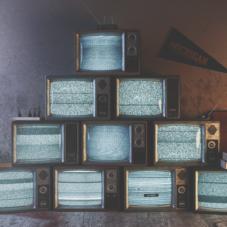 Телевидение для слабоумных: самые идиотские шоу во всем мире