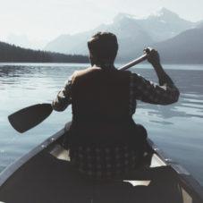 Стоит ли изолировать себя от проблем путем ухода от окружающей действительности