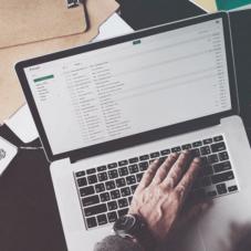 Как улучшить бизнес-процессы с помощью CRM и сервиса email-рассылок