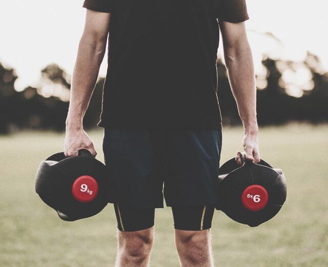 Почему упражнения с легким весом ничуть не хуже, чем с тяжелым