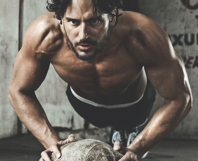 9 способов изменить отжимания и укрепить грудь