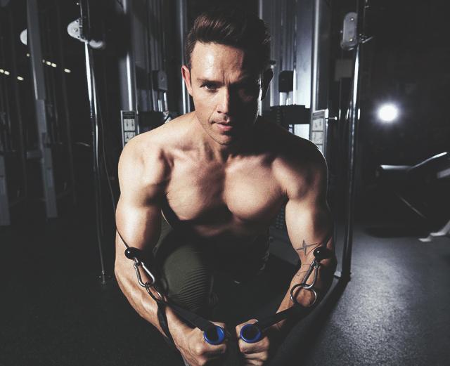 Тренировка, которая укрепит все слабые места твоего тела